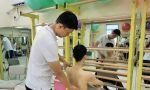 武汉工作室,龚老师和肖老师为新来的小学员们教授施罗斯体操。