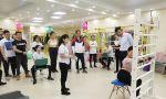 施罗斯SBP治疗师认证课程第三天,武汉工作室,今日课程即将结束,SBP认证治疗师导师龚老师依次检查治疗师学员们与所负责患者的授课情况。