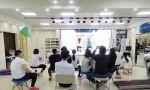 施罗斯SBP治疗师认证课程第四天,武汉工作室,施罗斯中南技术总监许玮导师与学员们交流特发性脊柱侧弯的治疗思路,并解答学员所提出的问题。